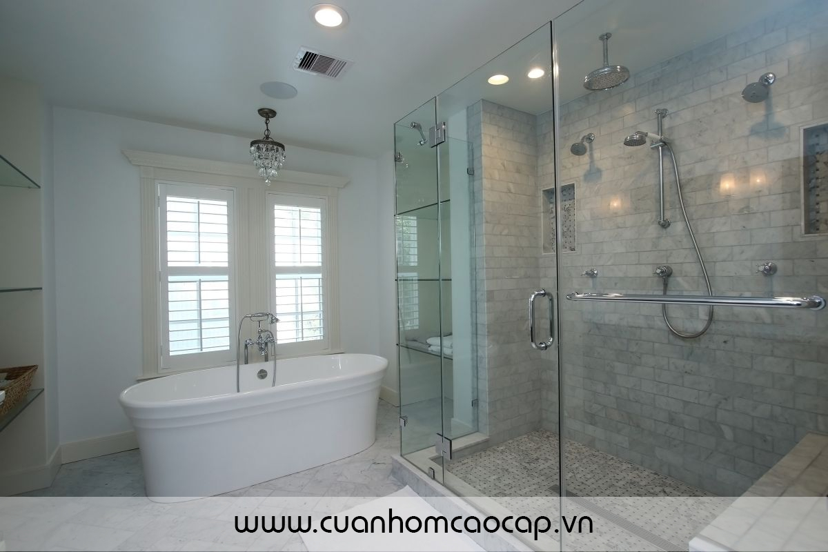 Phòng tắm kính với thiết kế mở quay 90 độ,2 chiều rất tiện lợi cho người sử dụng